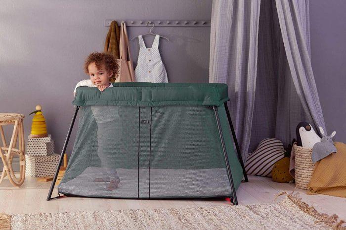 Utilisation et entretien du matelas pour le lit parapluie babybjorn